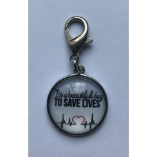 "Klik-aan hanger ""to save lives"""