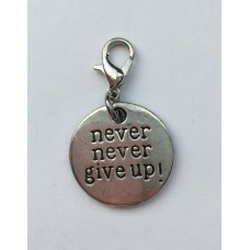 "Klik-aan hanger ""never never give up"""