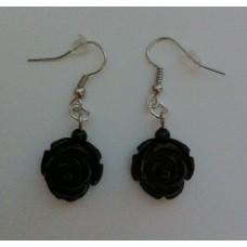 Oorbellen met zwarte roos