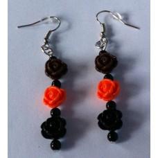 Oorbellen roosjes bruin oranje zwart