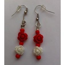 Oorbellen roosjes rood wit