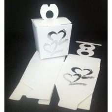Cadeau doosje karton bruidspaar wit met harten