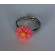 Ring verstelbaar met lichtroze margriet