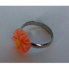 Ring verstelbaar met zalmkleurige margriet