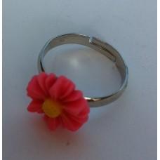 Ring verstelbaar met roze margriet